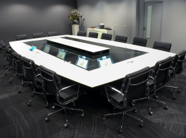 Quarta meeting table